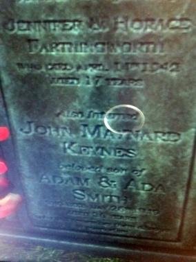 keynes-tombstone